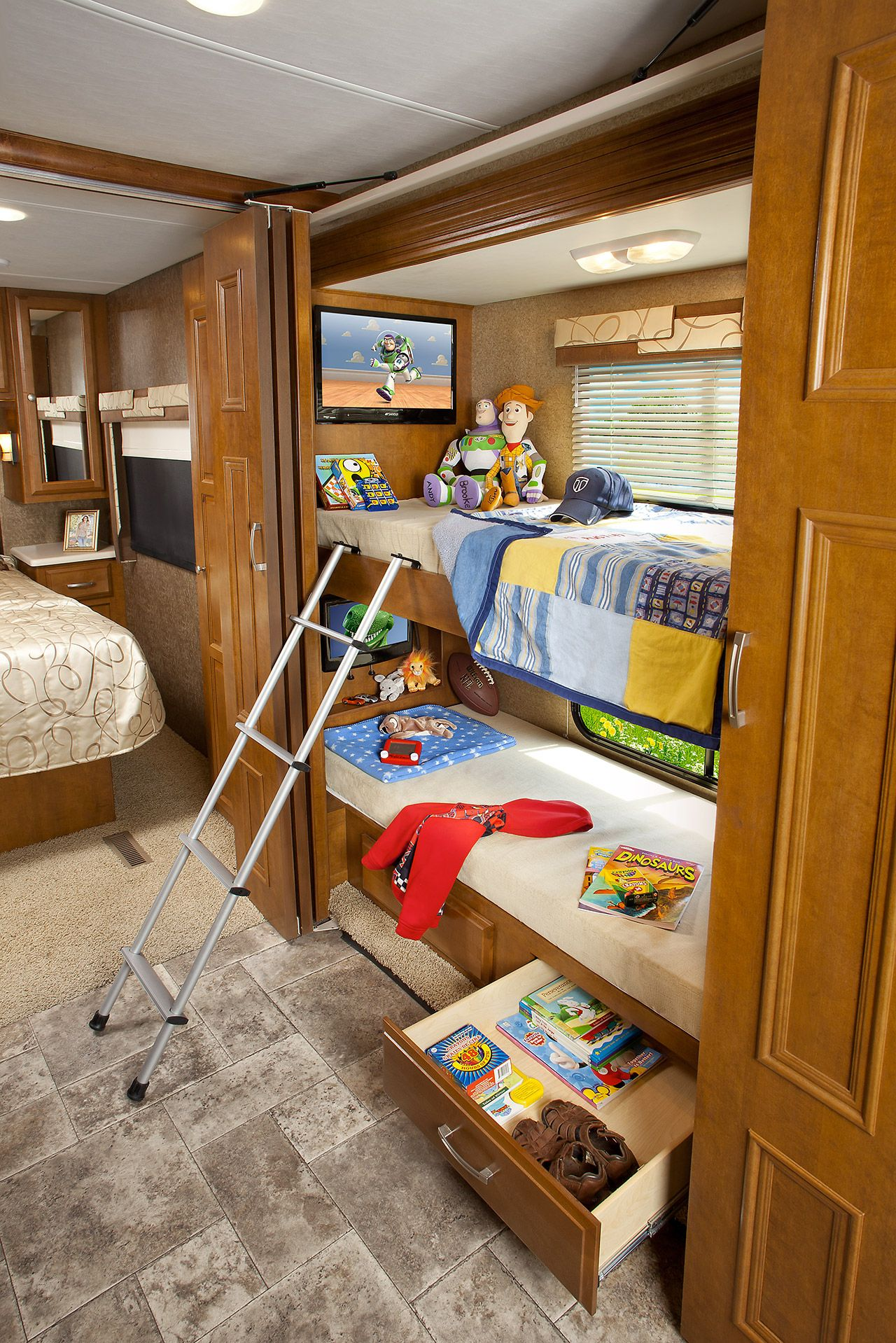 Rv Bunkhouse Ideas Shorter Diesel Motorhomes With Bunk Beds