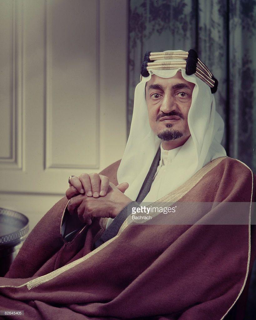 A Portrait Of The Saudi Arabian King Faisal Ibn Abdul Aziz Al Saud King Faisal Saudi Men Portrait