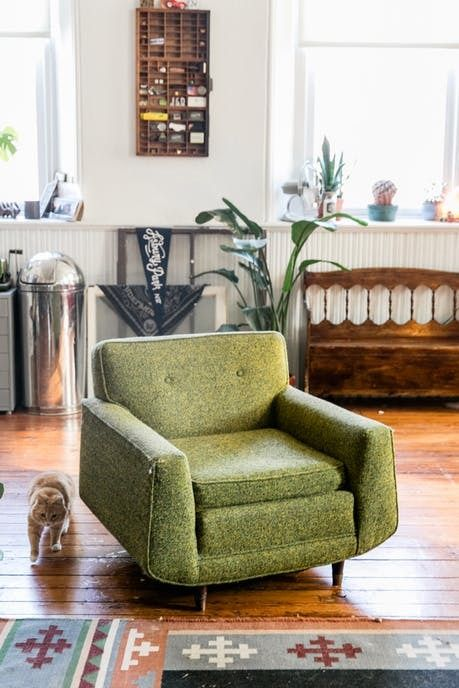 A Beautiful Vintage Filled Studio Apartment In A Former Church