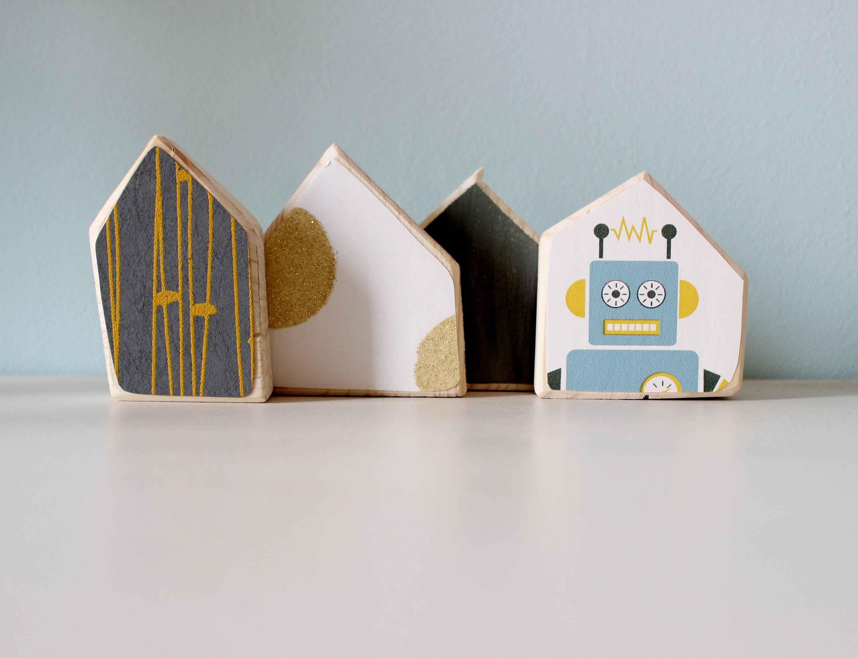 Decorazioni In Legno Per Bambini : Decorazione di casette in legno con carte da parati per la stanza