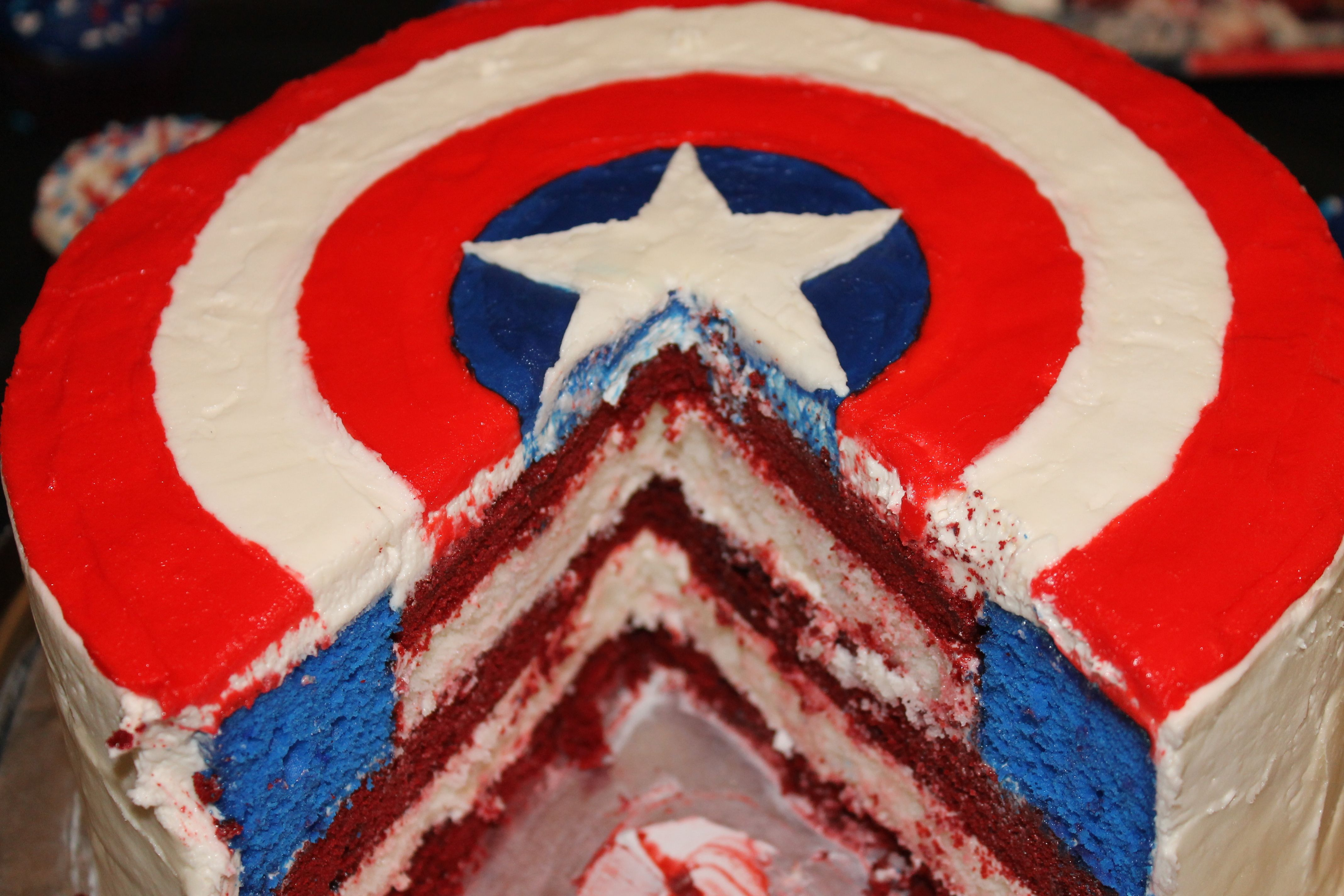 Captain Americas Shield Cake NON Halo Pinterest Fondant Cake
