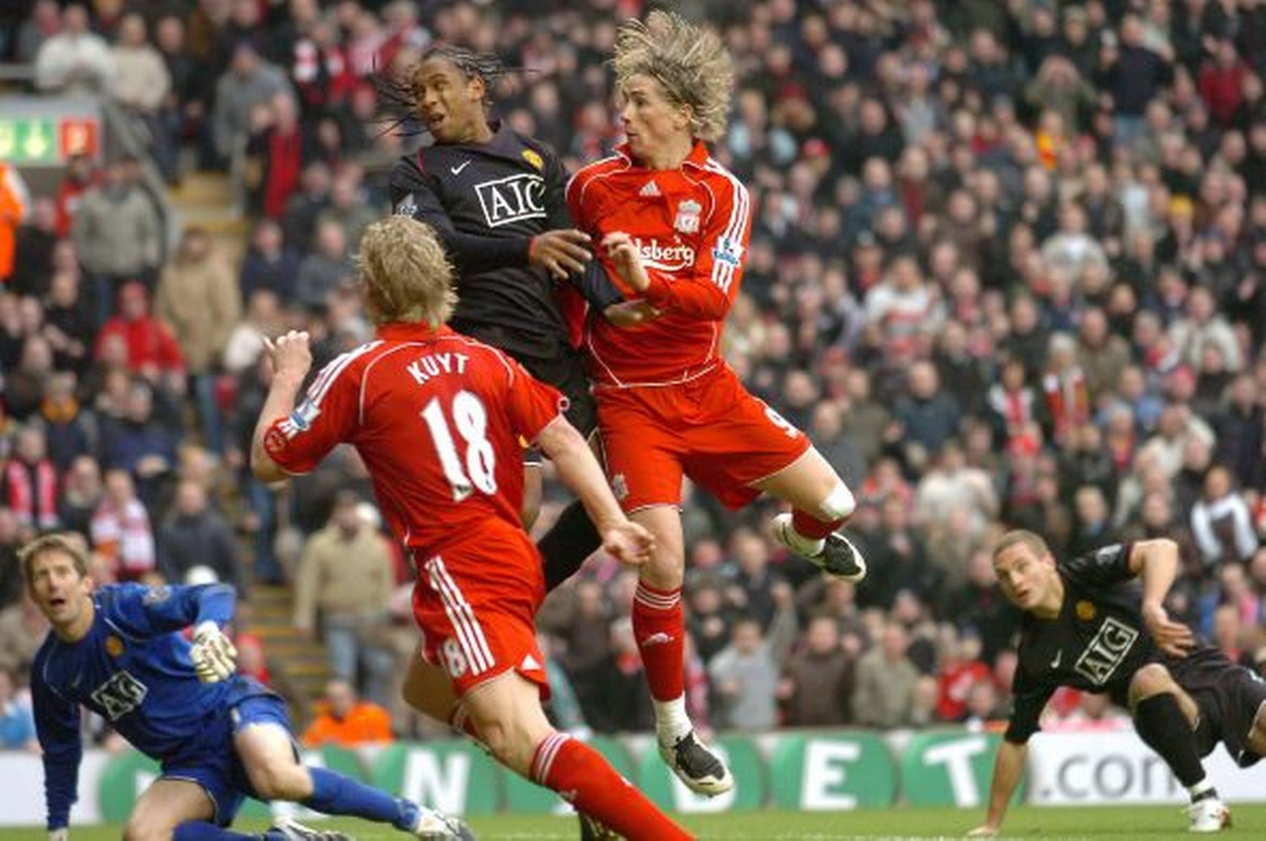 Manchester United V Liverpool A Fierce Rivalry In Pictures Manchester United Manchester United Images Manchester
