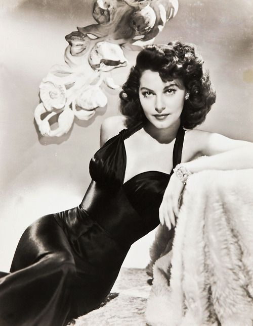 Old Hollywood Glamour Ava Gardner Hollywood Fashion, Hollywood Stars, Golden Age Of Hollywood, Classic  Hollywood,