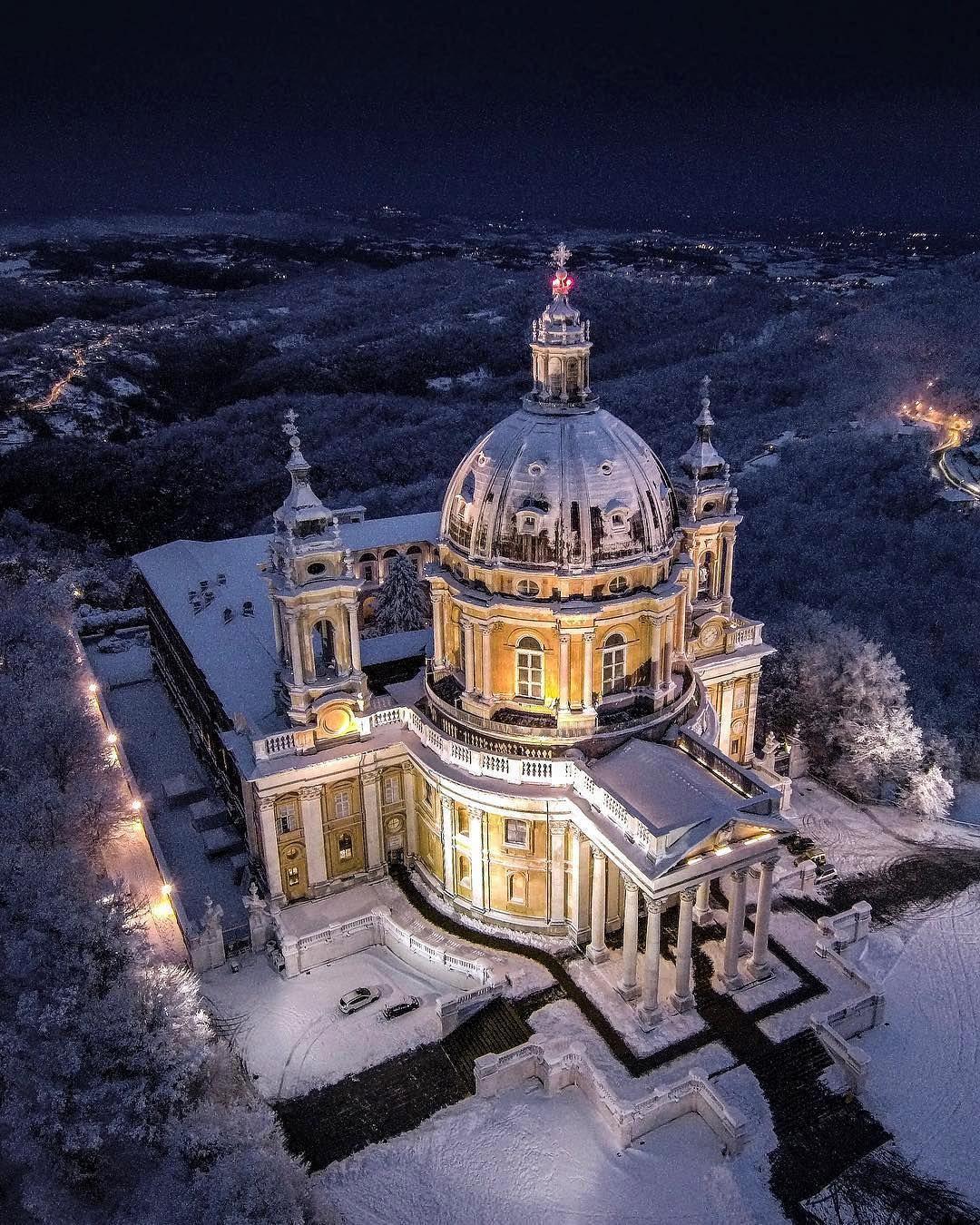 La basilica di Superga innevata - photo by @albertobogetto ...