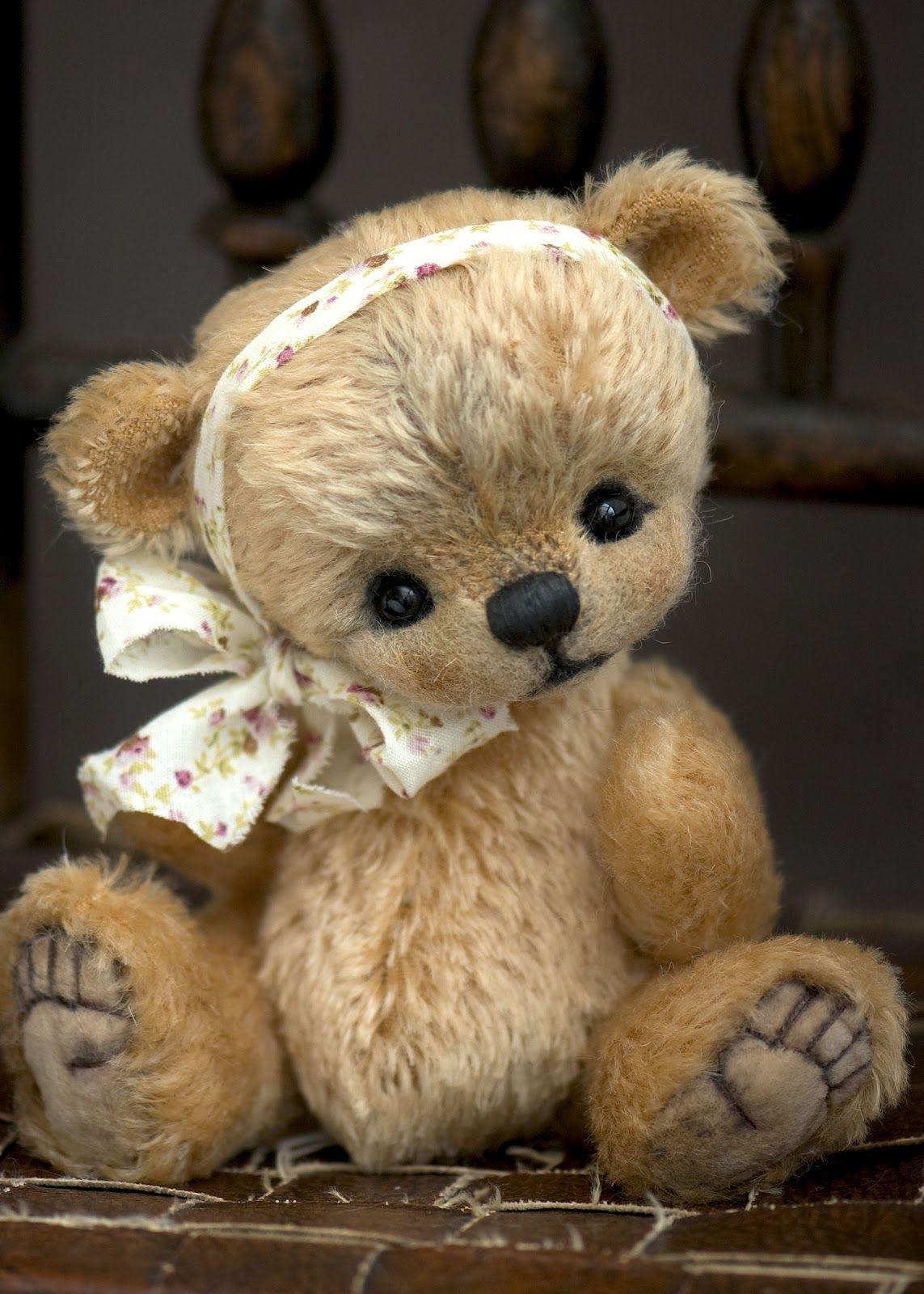 Three O'Clock Bears: Ickle Chloe available now...