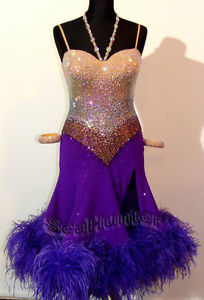 Nice colour combination, purple and silver dress