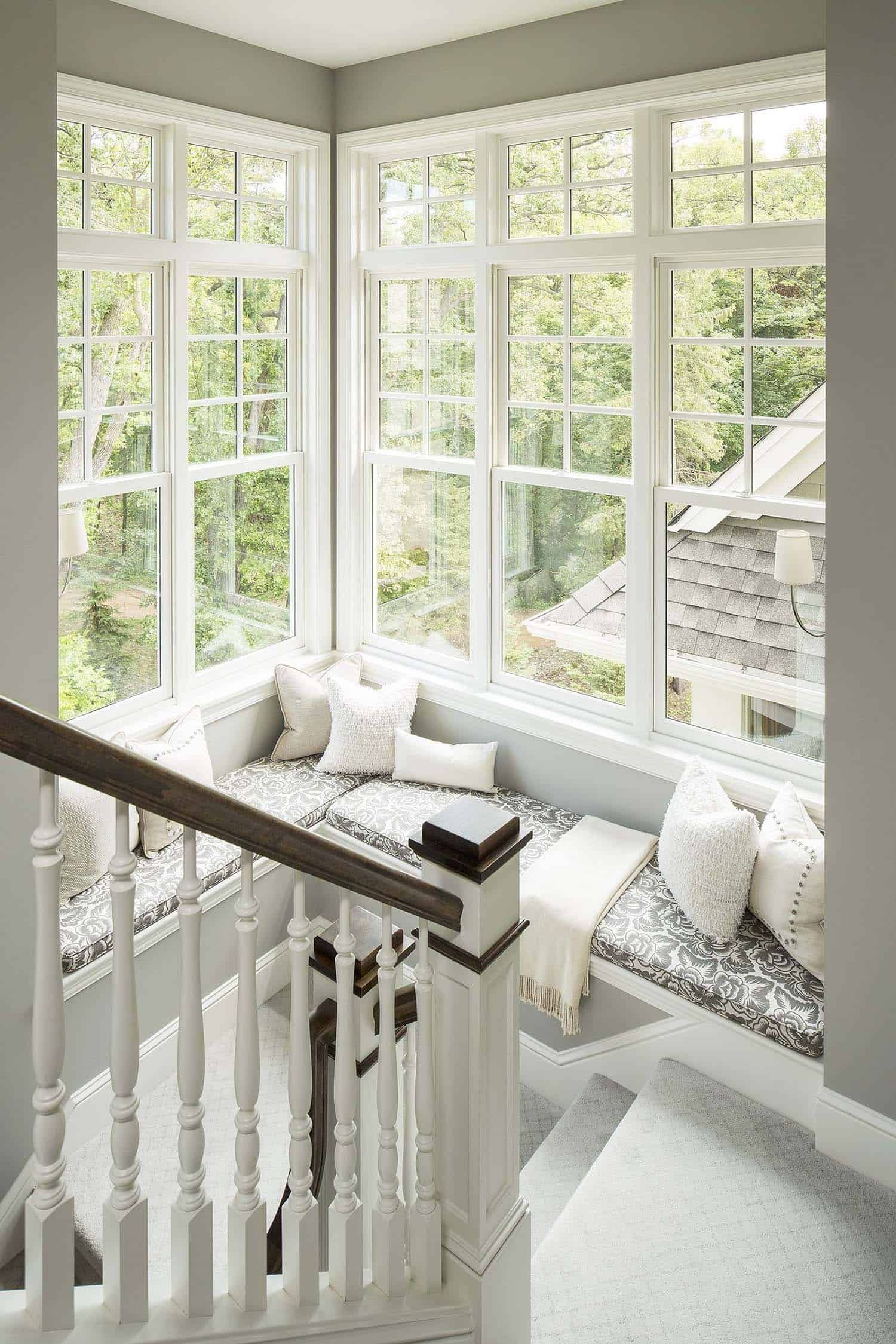 44 Window Nooks Framing Spectacular Views In 2020 Home Interior Design Cozy House Interior Architecture