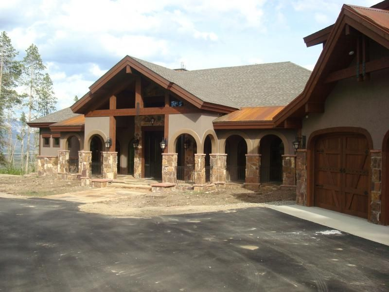 Stone And Brick Mountainhomes We Specialize In Installing Stucco Colorado S Tough