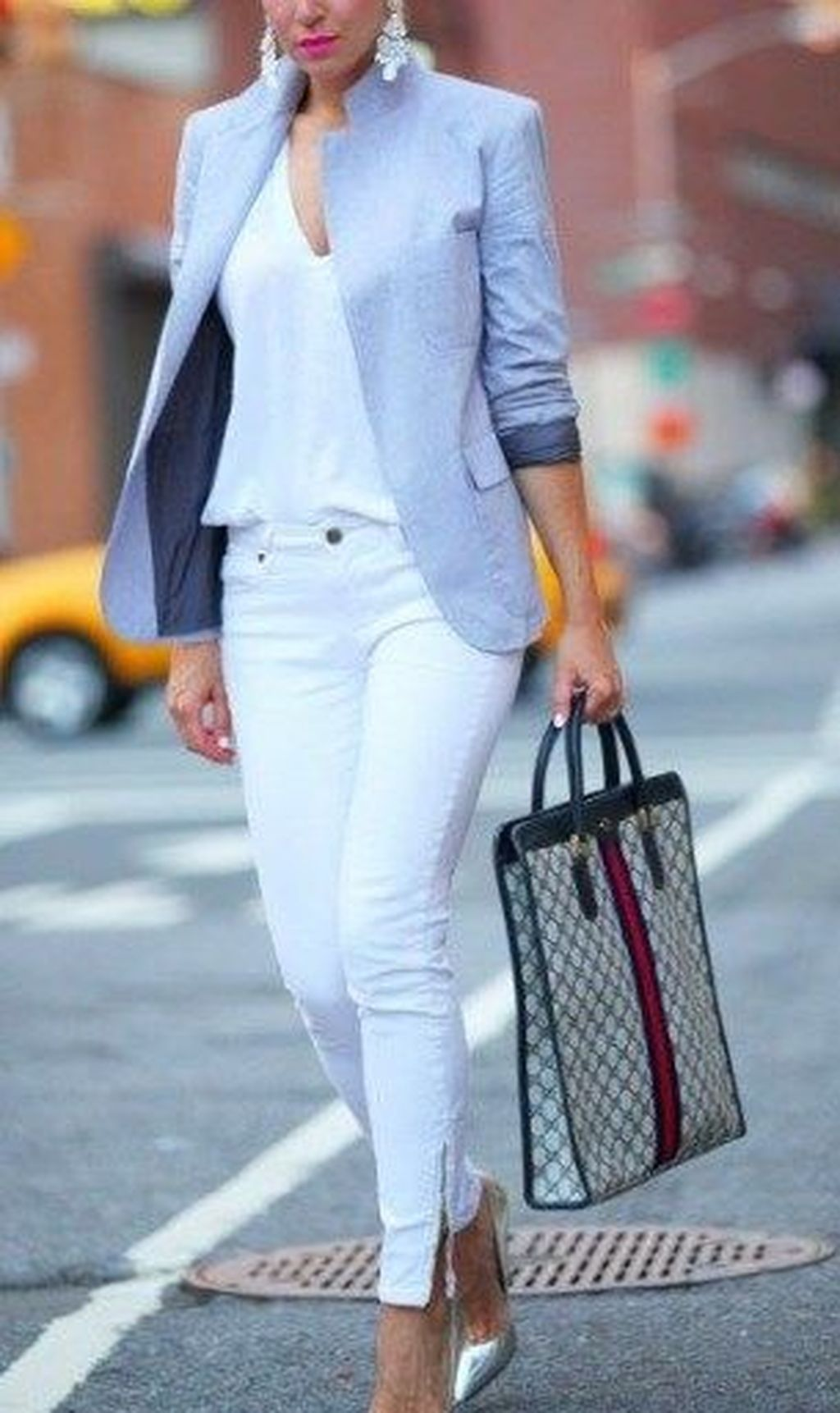 46 Impressive Spring And Summer Work Outfits Ideas For Women #womensworkoutfits