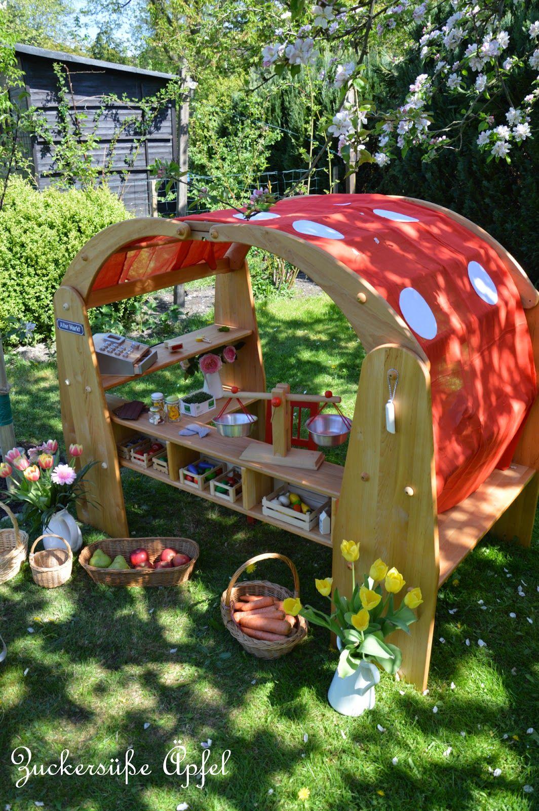 Der Allerschönste Marktstand Im Eigenen Garten Hinterhof Spielhaus Spielhaus Garten Marktstand