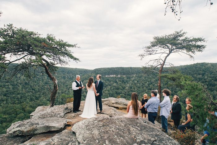 Bri And Matt S 2 500 State Park Wedding In Tennessee Tennessee Wedding Venues Park Weddings Tennessee State Parks