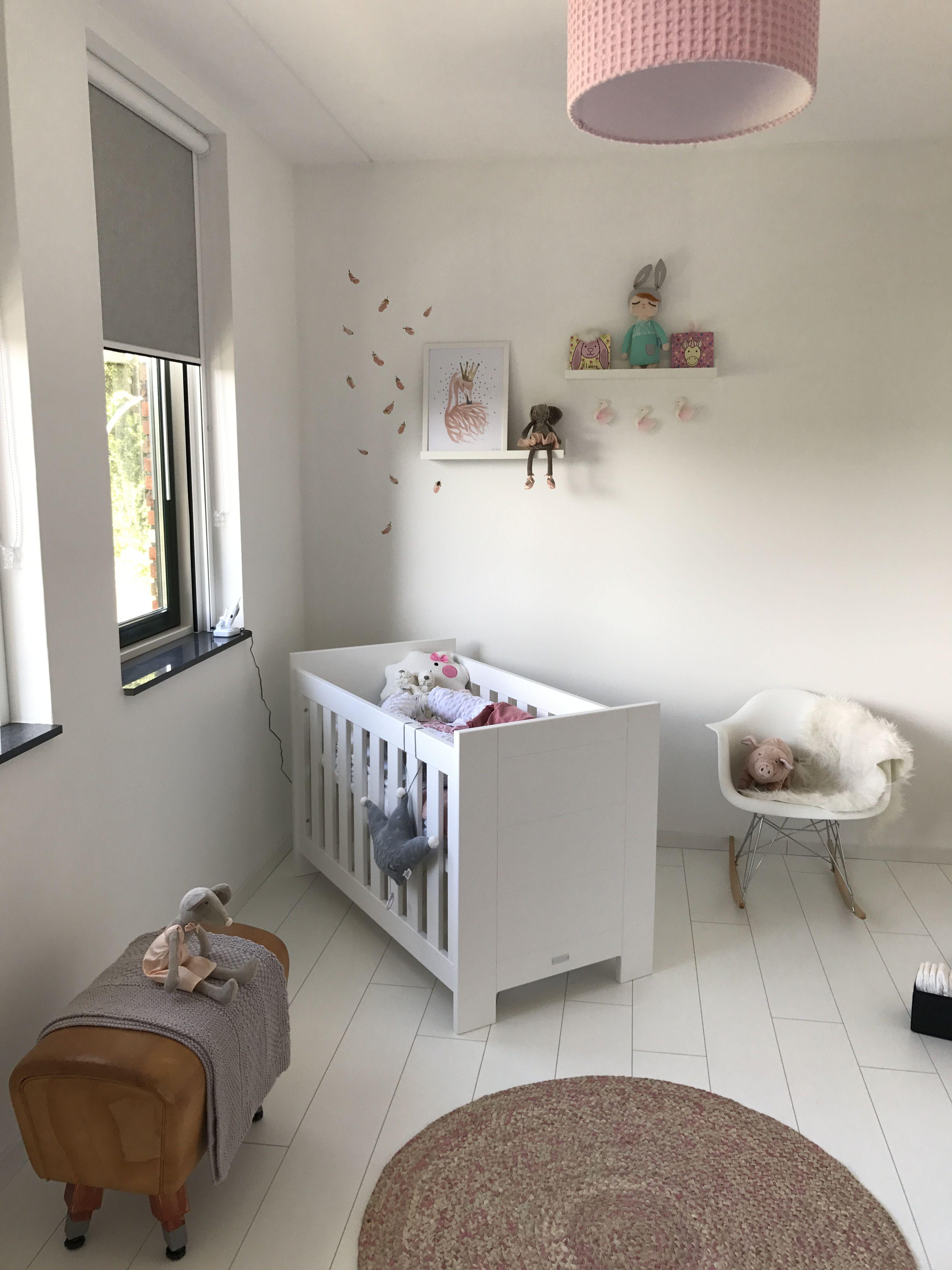 Eames Schommelstoel Babykamer.Eames Babykamer Zeer Mooie Vintage Leuk Voor Babykamer Eames