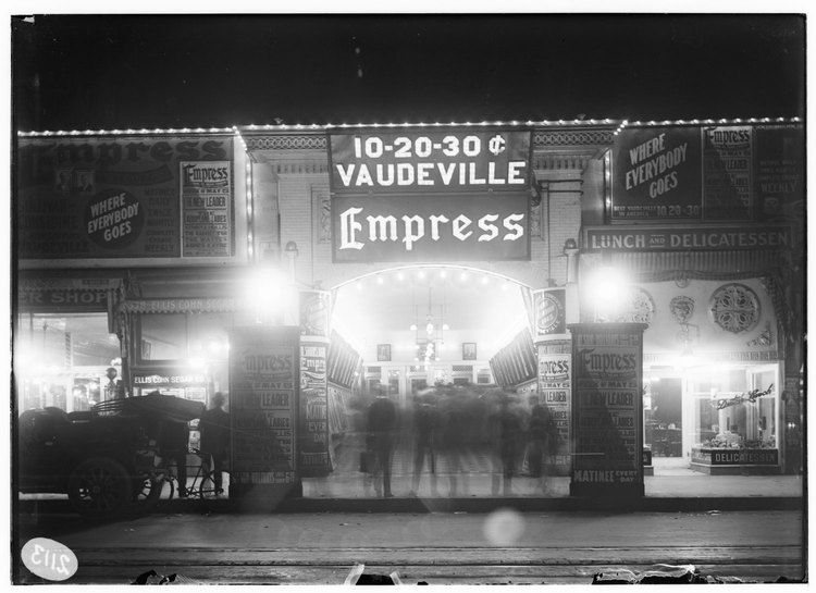 A night photo of    the Empress Theater     G. Haven Bishop        1913