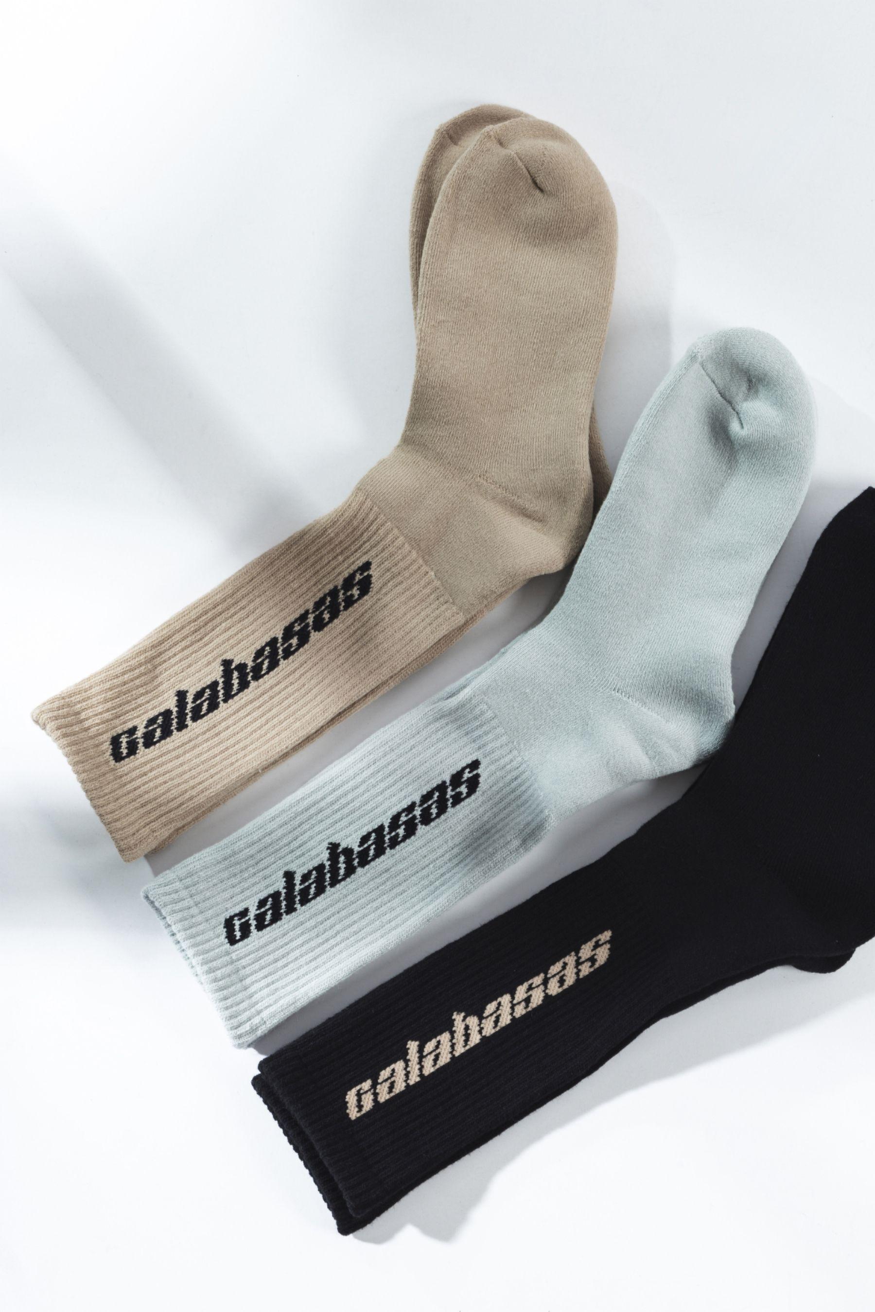 Yeezy Calabasas Socks   Socks packaging