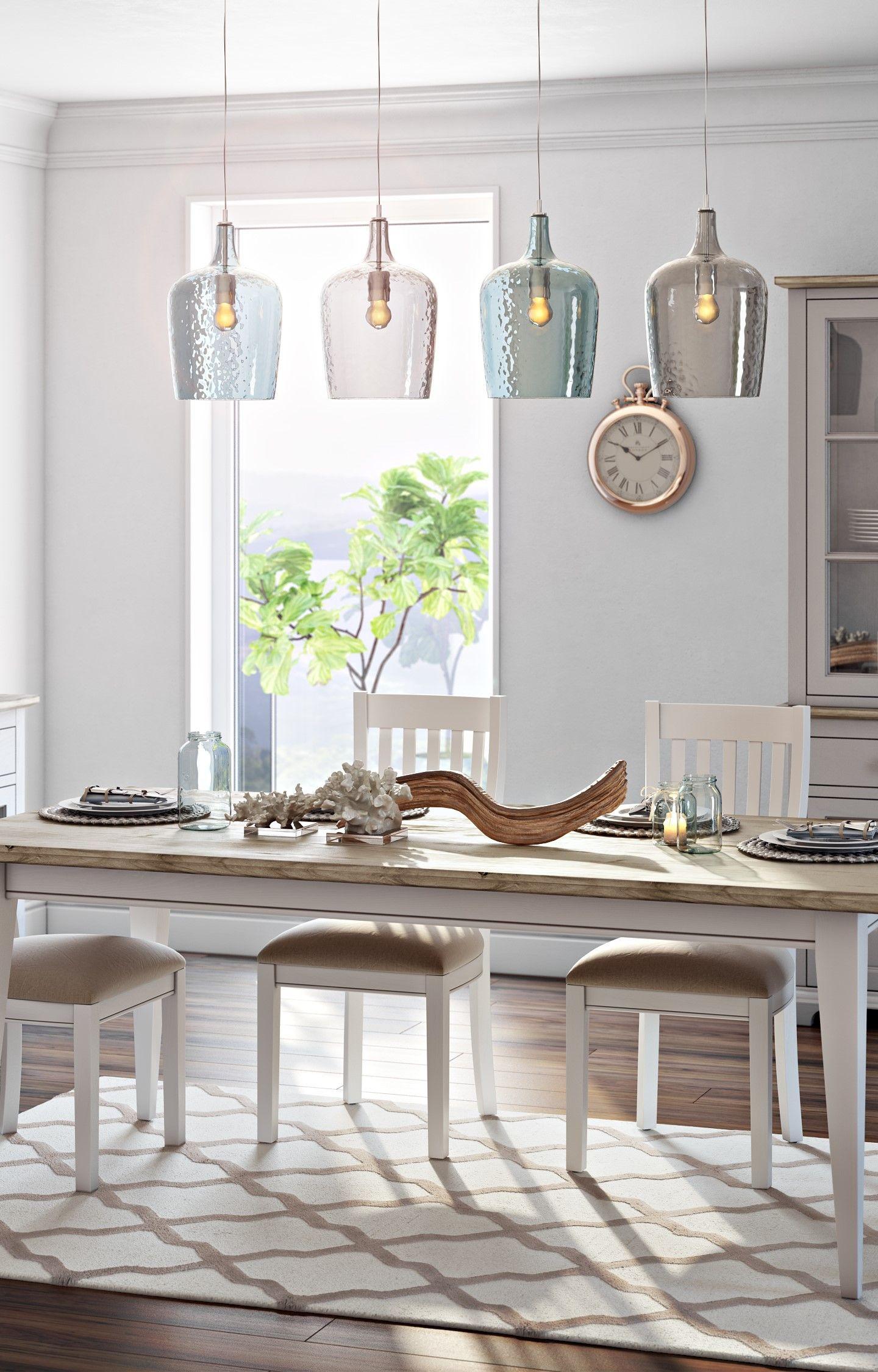 Verkehrte Pendelleuchte Aus Glas In Transparentem Blau Für Eine Stylische  Beleuchtung über Dem Esstisch