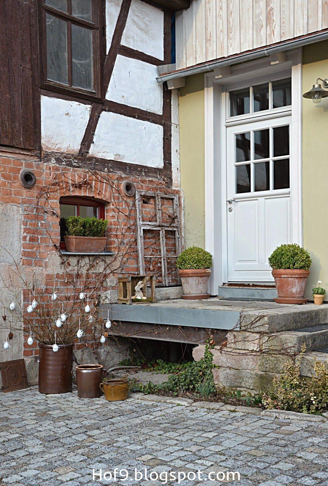 ostern steht vor der t r und ein eier diy zahrada pinterest eier t ren und stehen. Black Bedroom Furniture Sets. Home Design Ideas