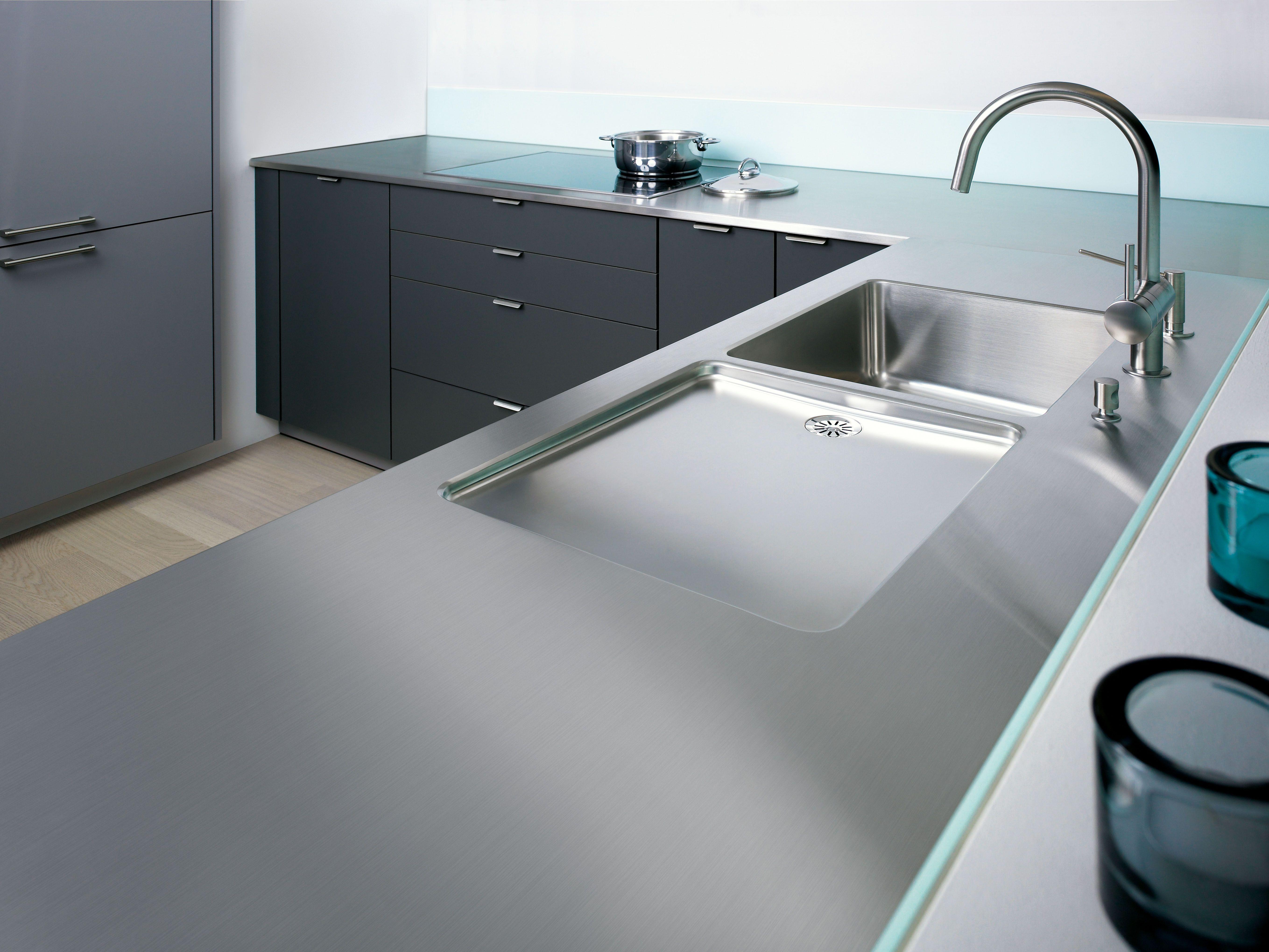 4mm Massive Stainless Steel Countertop From Franke / 4mm Massief RVS  Werkblad Van Franke