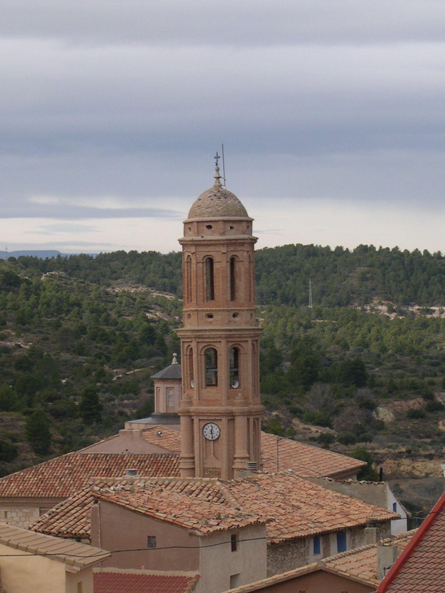 Para hoy os dejo esta fotografía de la torre de Crivillén