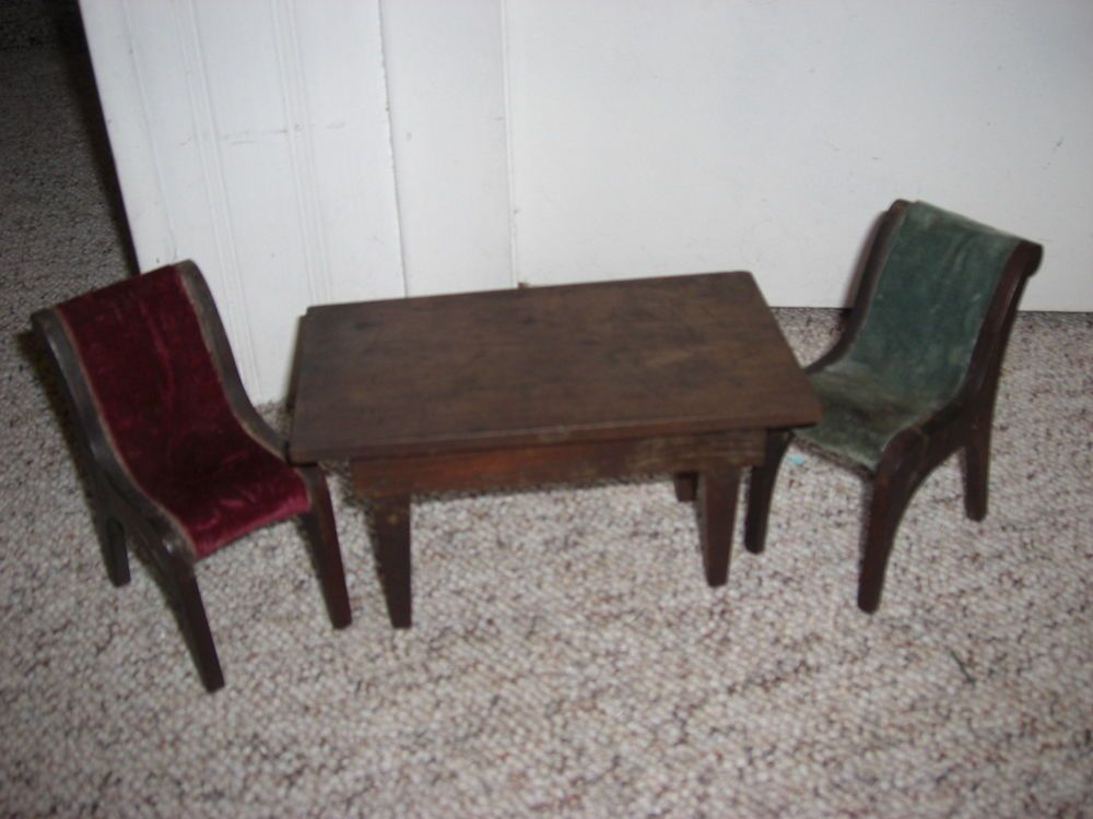 ANTIQUE Wood Small DOLL FURNITURE Estate find Table & Chairs Primitive Folk art