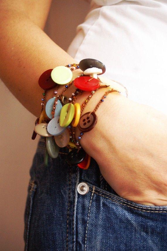 Versatile crocheted button bracelet / necklace