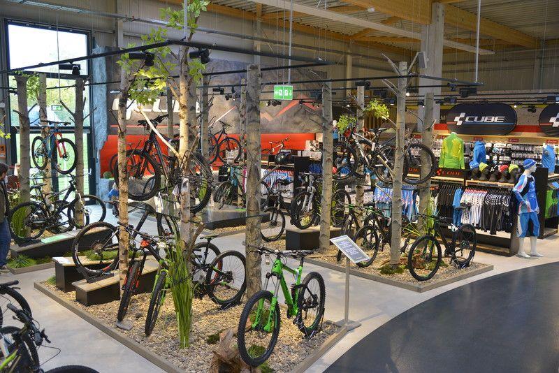 CUBE Cube Store Marktredwitz | bike shop | Ladeneinrichtung und ...
