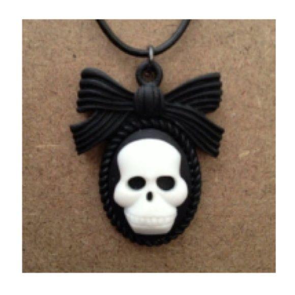 Black & White Skull Cameo Necklace
