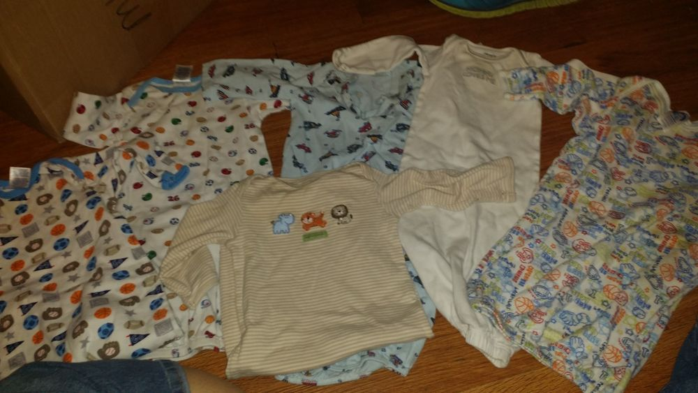 Lot of infant boys 0-6m sleep gowns gerber triplets carters ...