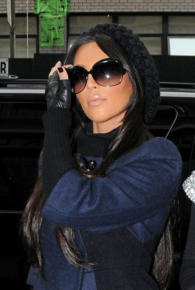 f6d2870f93 Kim Kardashian - Kim and Kourtney Kardashian in Downtown Manhattan