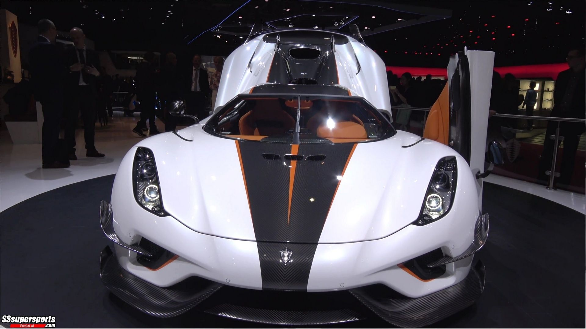 1 Crystal White Lacquer Koenigsegg Regera At The2018