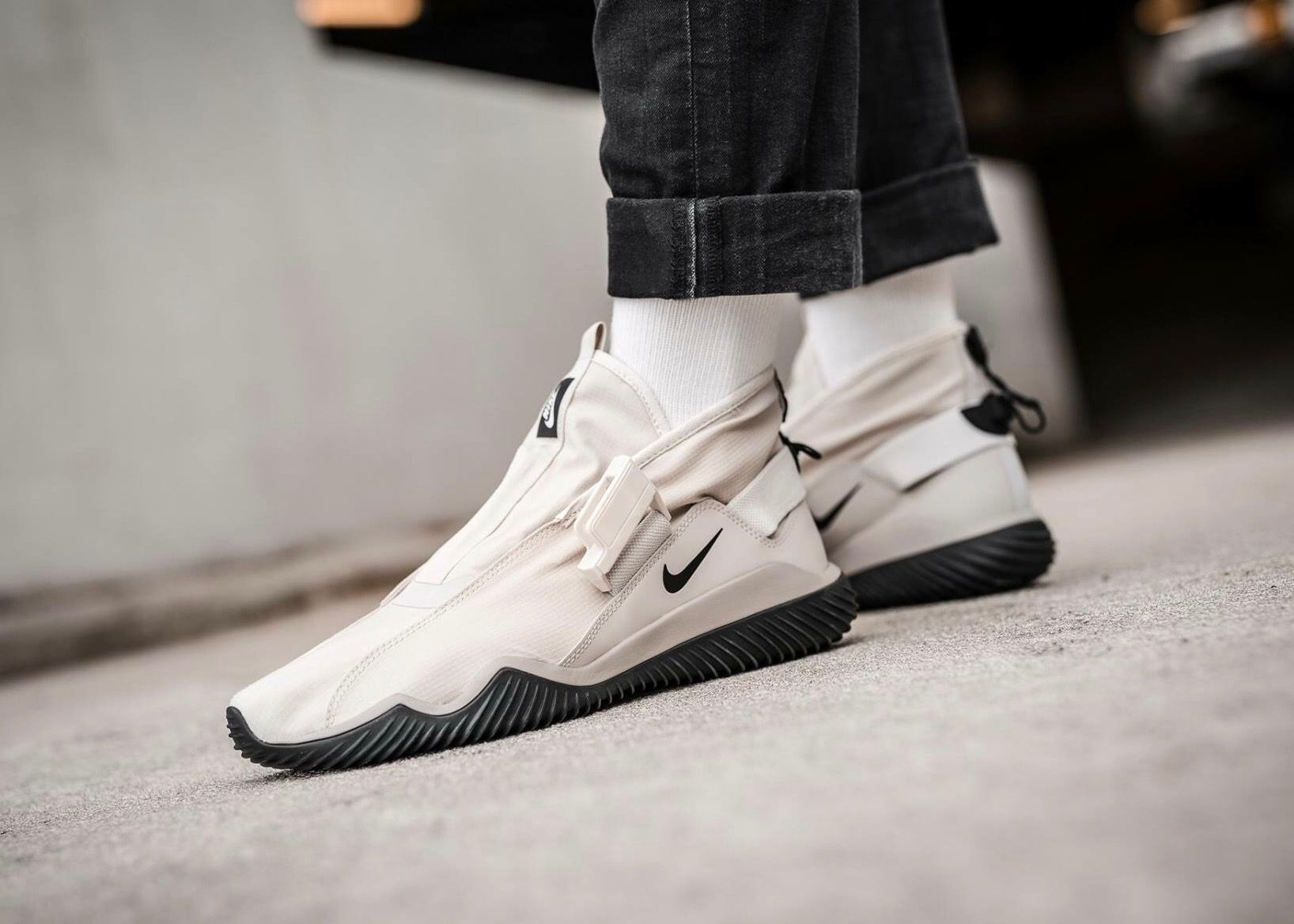 748d17d4df6bf Nike Komyuter
