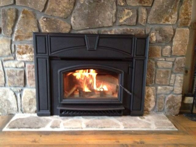 This Is The Quadra Fire Voyageur Grand Wood Burning Fireplace Insert With A Cast Surround Wood Burning Fireplace Inserts Fireplace Inserts Fireplace
