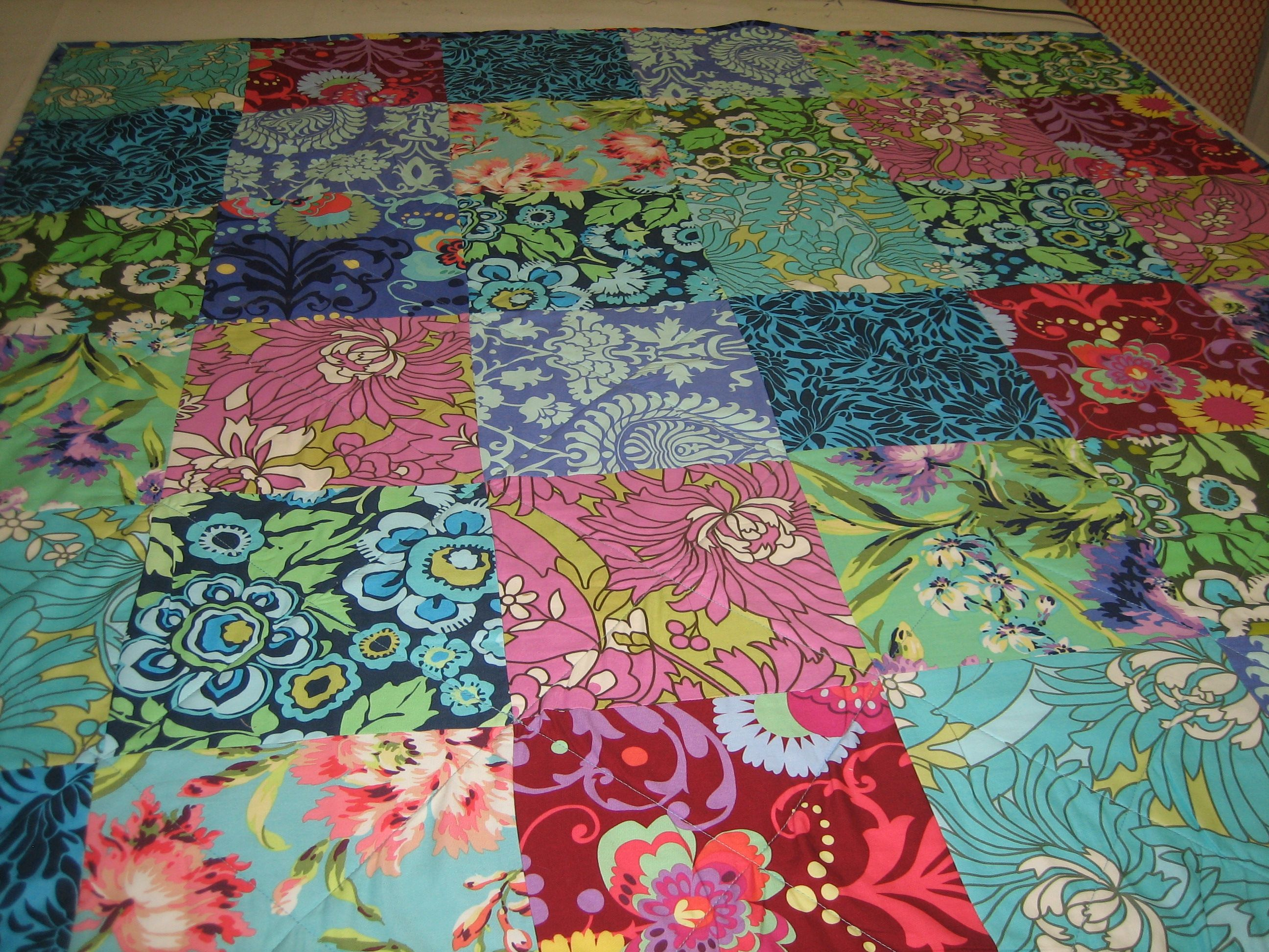 Definitely not your traditional quilt, these modern quilts make ... : quilt gifts - Adamdwight.com