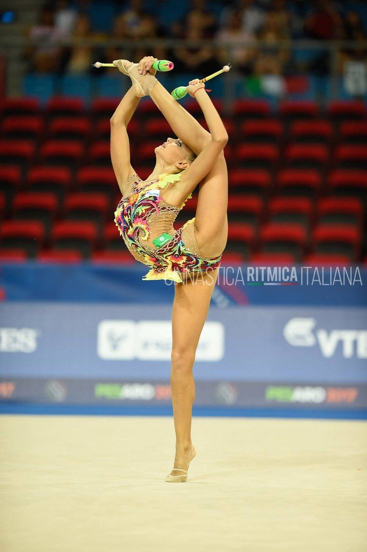 Dina Averina (Russia) won gold in clubs finals at World Championships (Pesaro) 2017