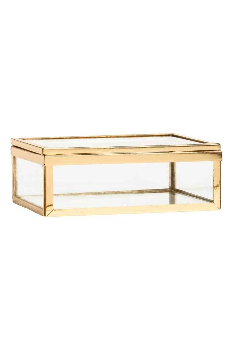 Caja de cristal: Caja pequeña en cristal transparente y metal. Medidas 5x9,5x14 cm.