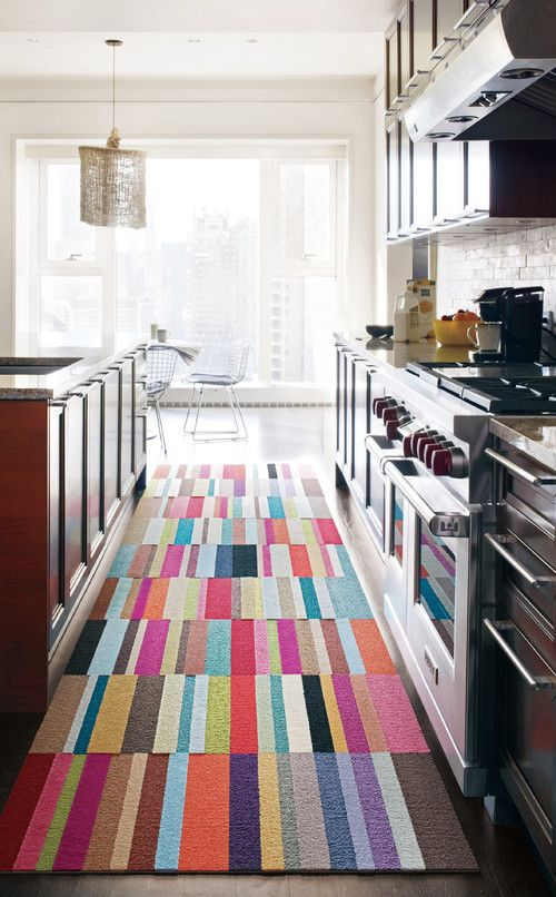 walking comfortably with kitchen runners:colorful kitchen runners