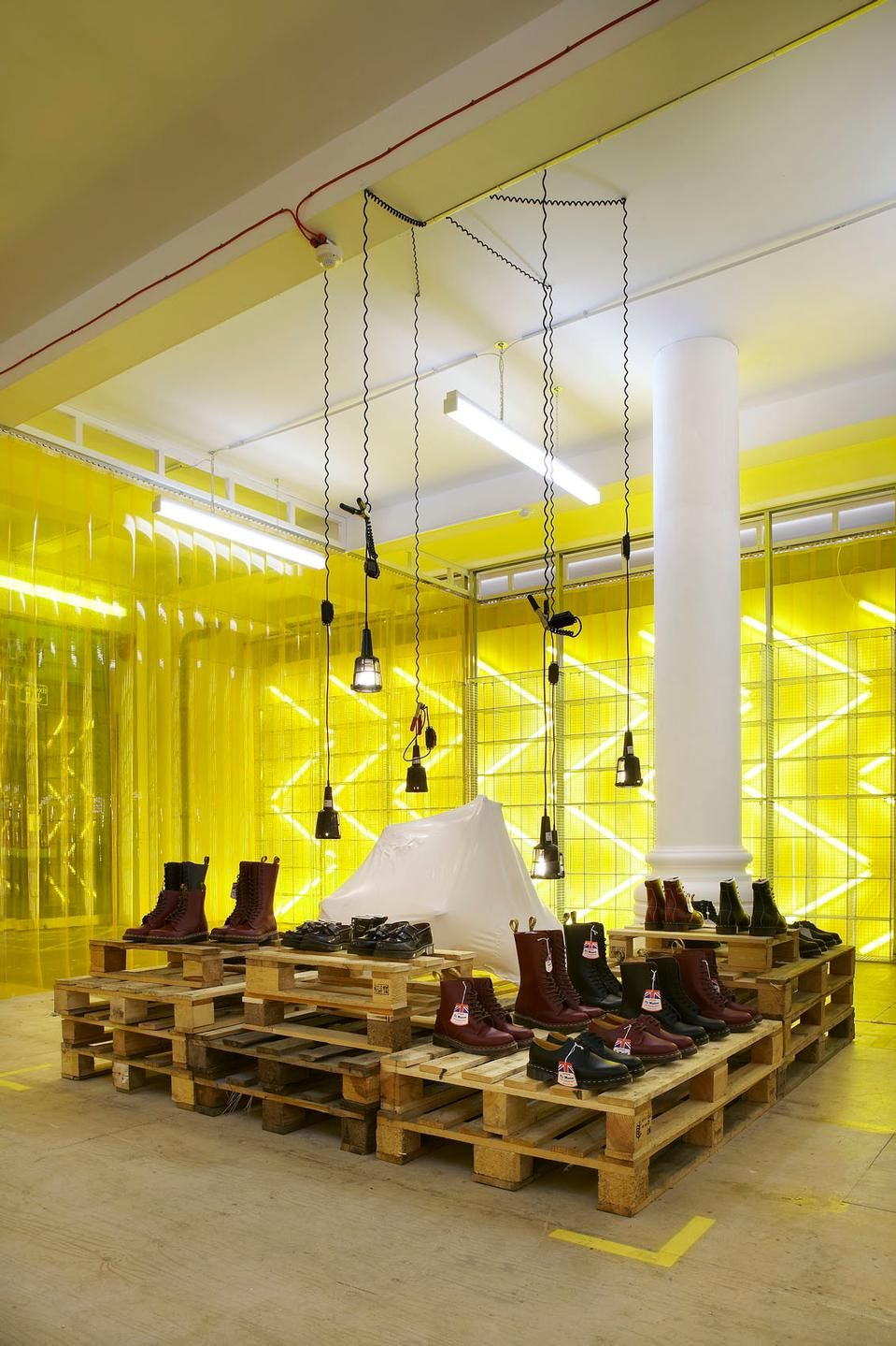 Pop up shopping Campaign for Dr Martens shop shoes interior