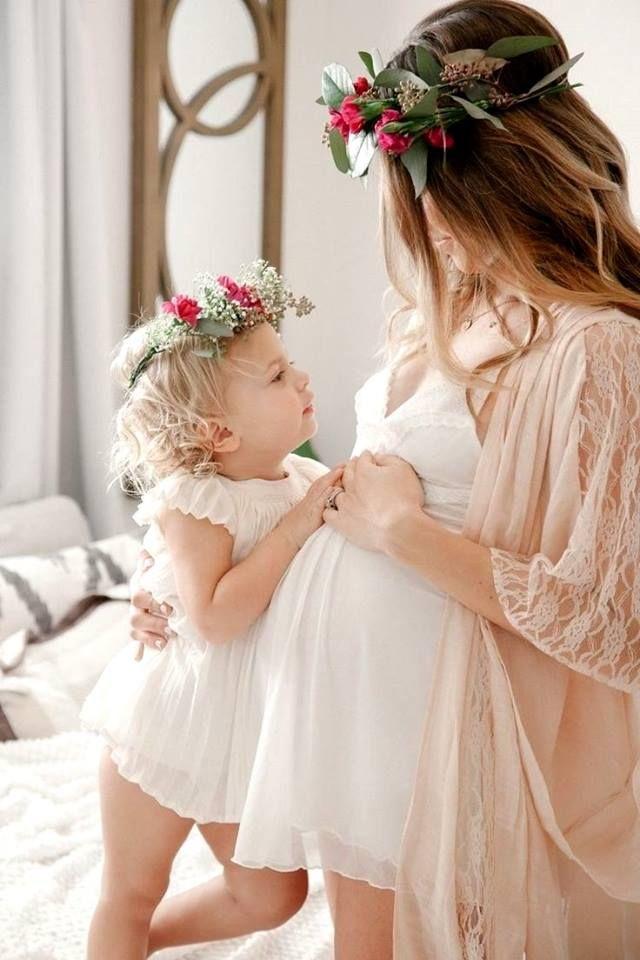Картинка беременная девушка и дочка