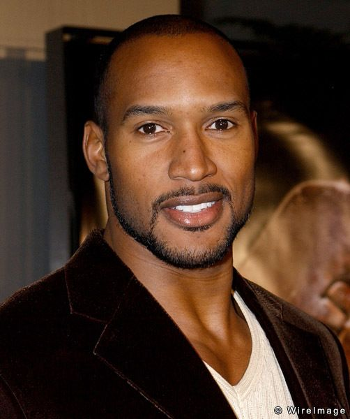 henry simmons height