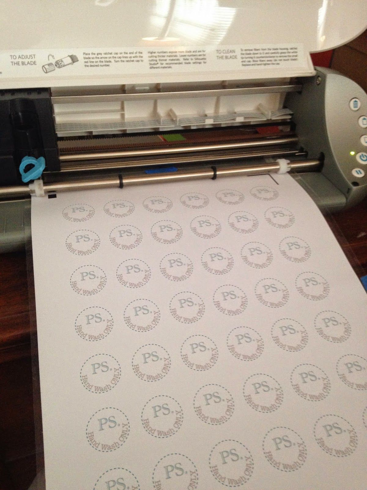 Learn How To Easily Make Custom DIY Stickers Using The Silhouette - How to make custom die cut stickers