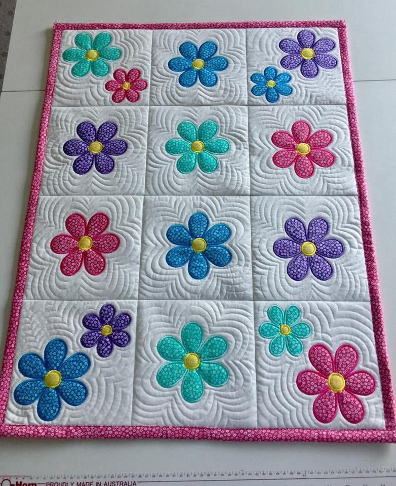Pin By Rosi Falz On Quilting Machine Embroidery Quilts