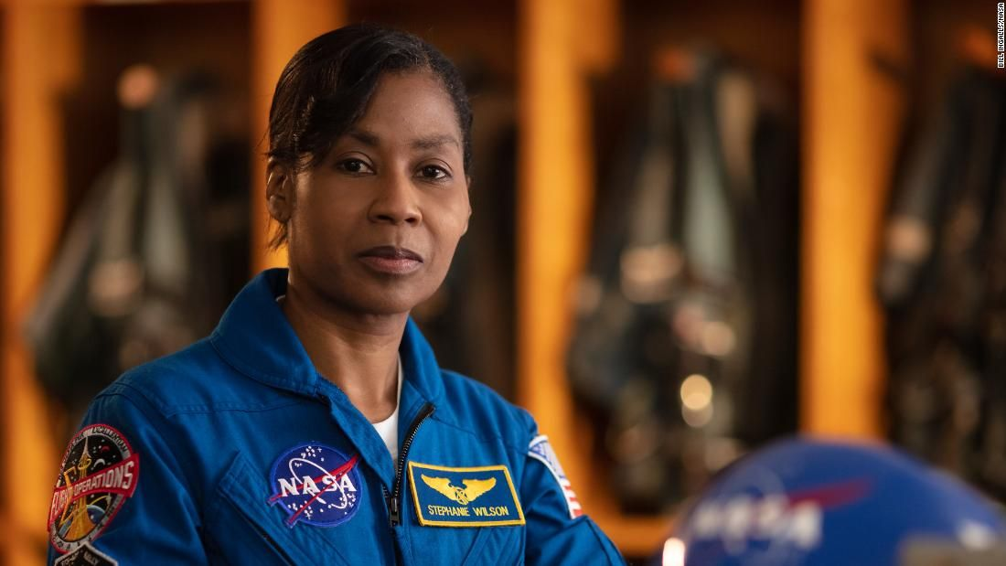 Astronaut stephanie wilson is the voice of mission control