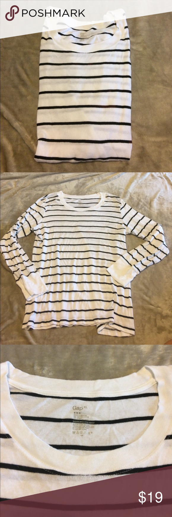 Gap Pullover Knit Top Black White Stripes XL EUC Basic striped knot top by Gap.  Excellent condition.  XL. Black & White. Chest 21 inches flat. Length 27 inches from shoulder seam to bottom. Sleeve 24 inches from shoulder seam to bottom. I love to bundle. Bin Z GAP Tops Tees - Long Sleeve