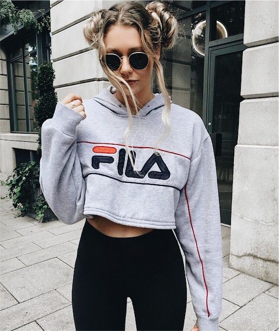 Tips To Wear Athleisure Fashionable Steal This Looks Womens Fashion Outfits Clothes And Clothing