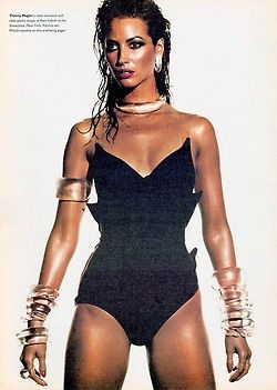 1989 - Christy Turlington in Thierry Mugler corset