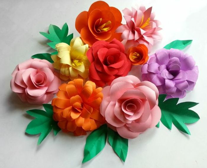 como hacer flores de papel decoracin con flores de cartulina en diferentes colores