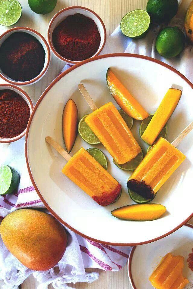 Paletas de Tequila ,de mango con chile y limón.