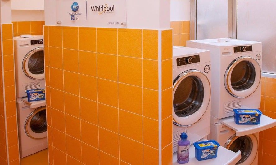 Pope Opens Free Laundromat For Rome S Poor Pope Francis Rome
