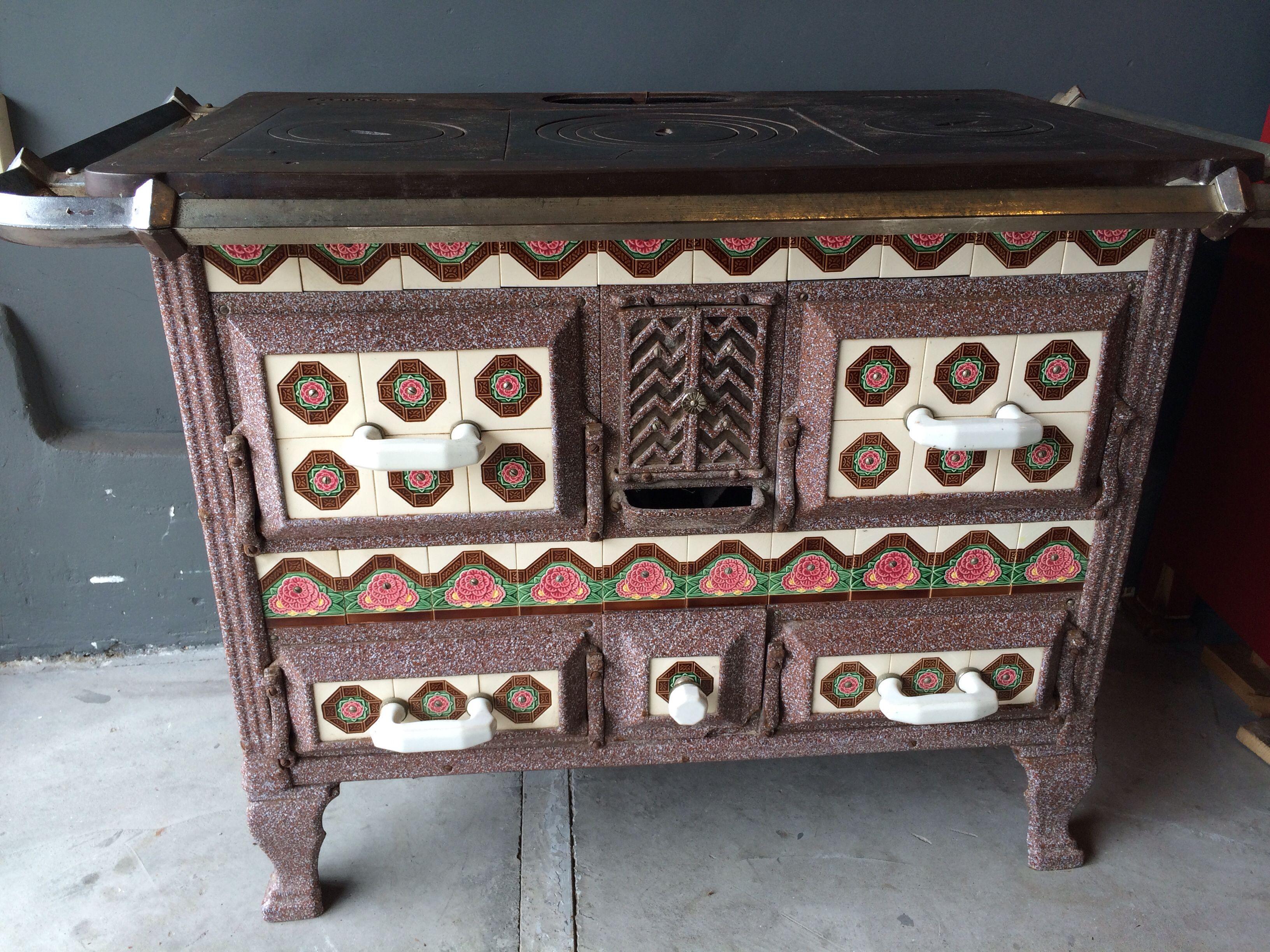 Afbeelding van http://www.lovt.nl/wp-content/uploads/2014/09/fornuis-kachel-+-loft-+-lovt-+-industrieel-+-retro-en-vintage-design-meubels.jpg.