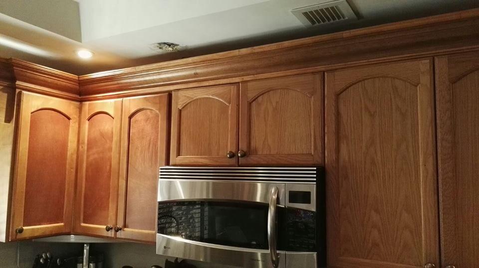 Mueble aéreo personalizado color pino natural. | Muebles de Cocina ...