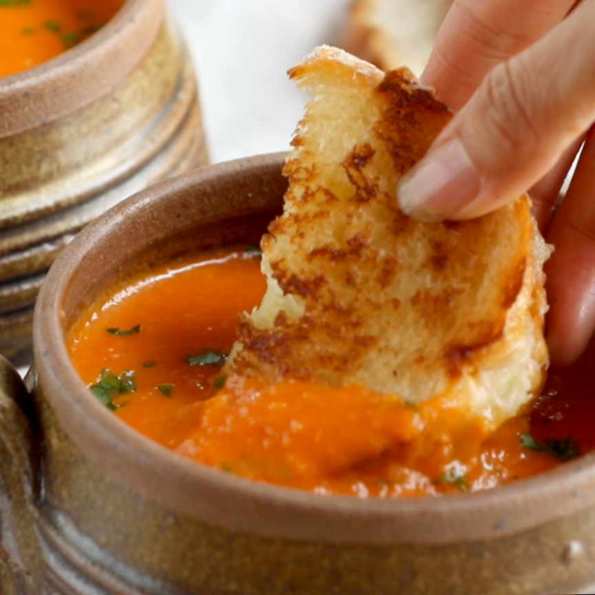 Simple Homemade Tomato Soup - Pinch of Yum